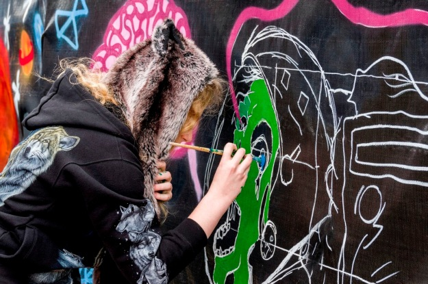 One of our young artists at the GTM scrim. Photo by Rob Cox